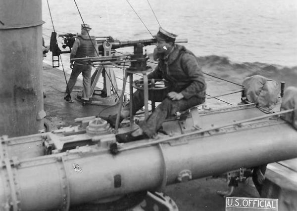 Torpedo director on the deck of the US destroyer USS Whipple