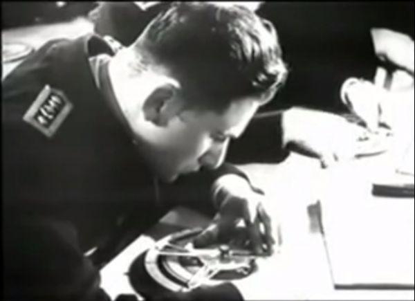 Kriegsmarine cadet exercising usage of Angriffsscheibe