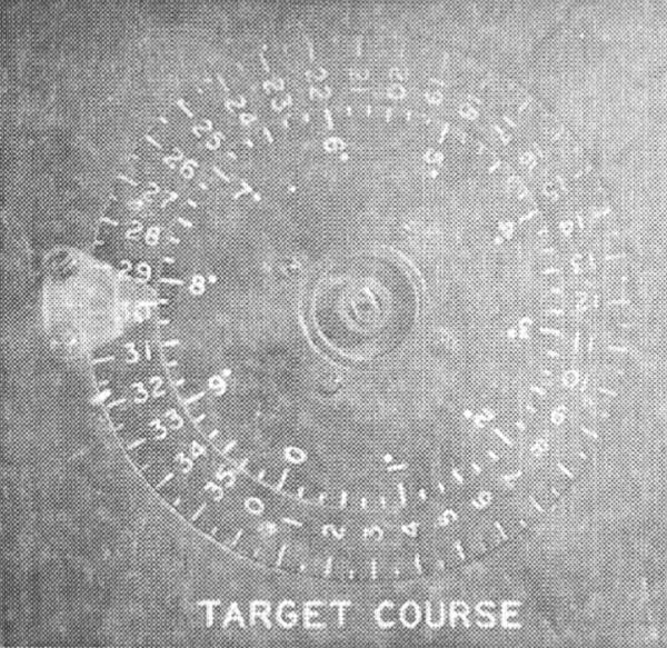 Double course indicator of American torpedo calculator