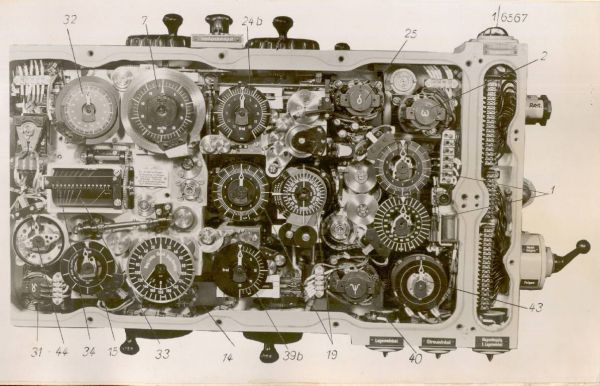 The torpedo calculator T. Vh. Re. S3 – early version – view after removing front cover