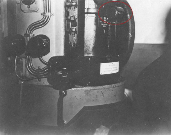 The type StaS C/2 periscope with the gear showing the true bearing visible